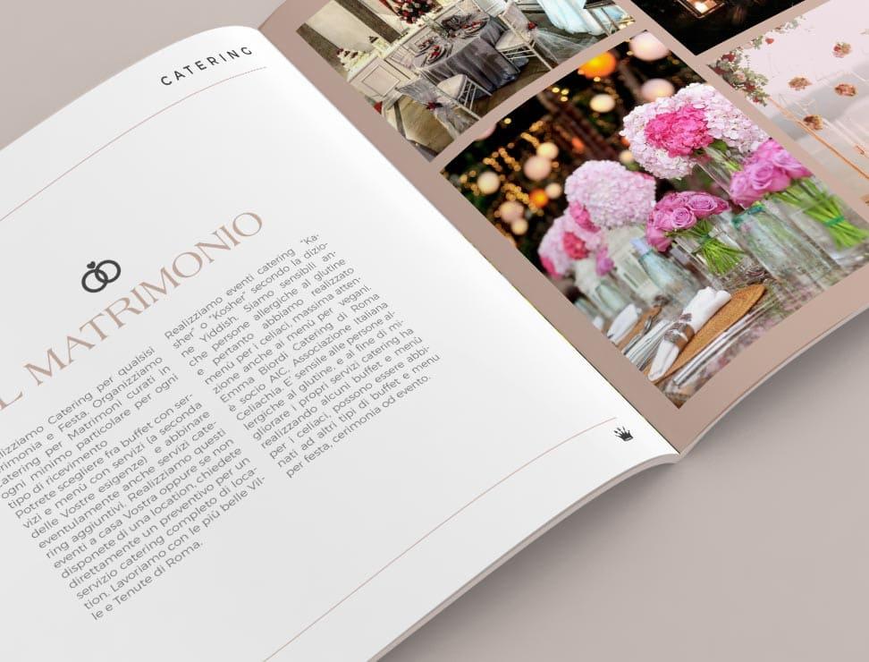 dettaglio di brochure su due pagine, una con testo ed una con immagini